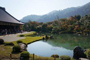1200px-Tenryuji_Kyoto01n4500